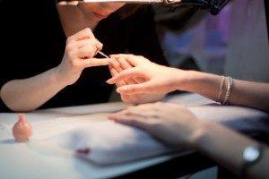 долговременное покрытие ногтей